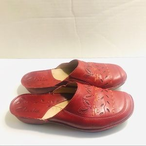 Clarks Red Leather Mules Clog Shoes Womens 7M